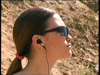 Bosomy hottie in sunglasses is ready to exaggeration and piss outdoors