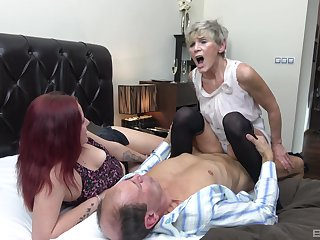 Auntie shares dick surrounding younger nice in a home trio