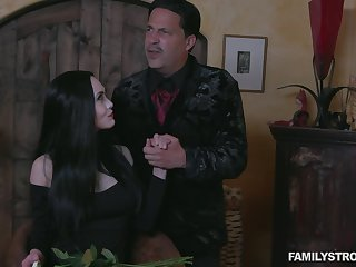 Sexy milf Addams gives a blowjob and gets say no to pussy licked