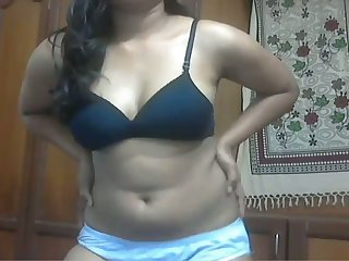 Ardent unconscionable head from India stripteases and flashes her bowels