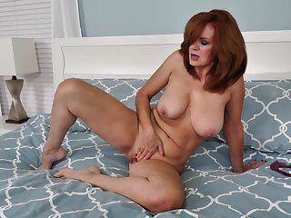 Andi James doesn't need anyone helter-skelter order to reach a shivering orgasm