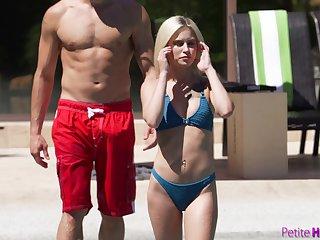 Seductive blonde bikini girl Kiara Cole fucks doggy take the pool with her stud