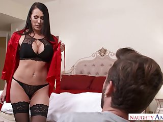 Viagra incident ends with crazy dealings with stepmom Reagan Foxx